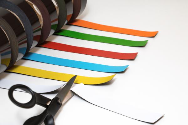 Magnetband i olika färger, på rulle