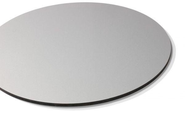 Chameleon Writing - Round - Magnetisk Silverboardtavla med dold upphängning & utan ramar. Gjord i emalj stål med svartlackerade kanter.